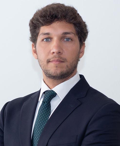 Advogado Diogo Capela